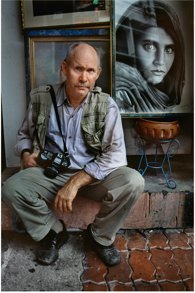 steve-mccurry-thailandia-2004-photographs-copyright-2016-steve-mccurry