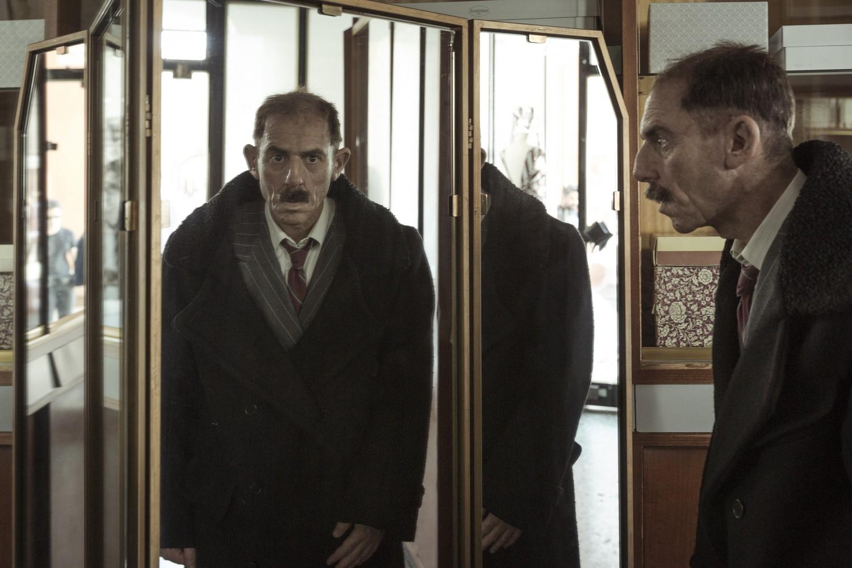 foto-volevo-nascondermi-7-specchiolow