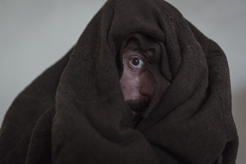 volevo-nascondermi-coperta sbirciare-low